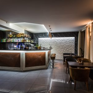 eL cafe bar & restaurant