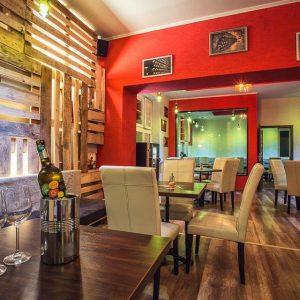 Chianti wine & coffee bar